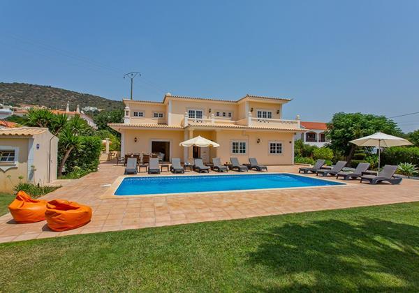 8 Bedroom Holiday Villa To Rent Near Vilamoura