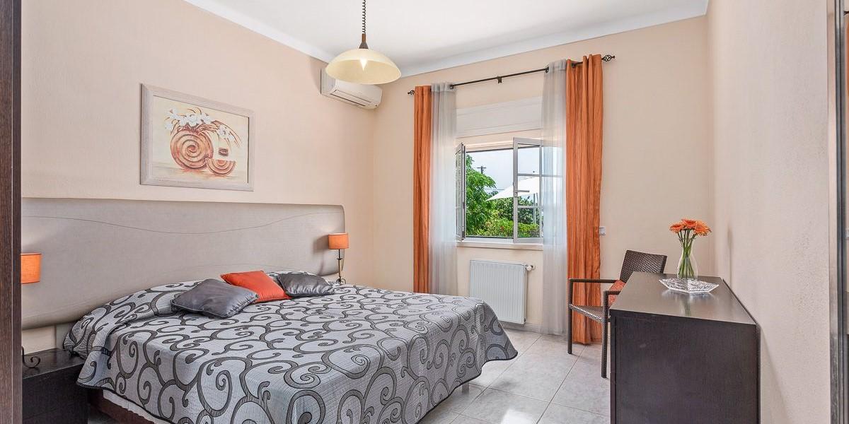 Bedroom 16 People Villa Rental Algarve