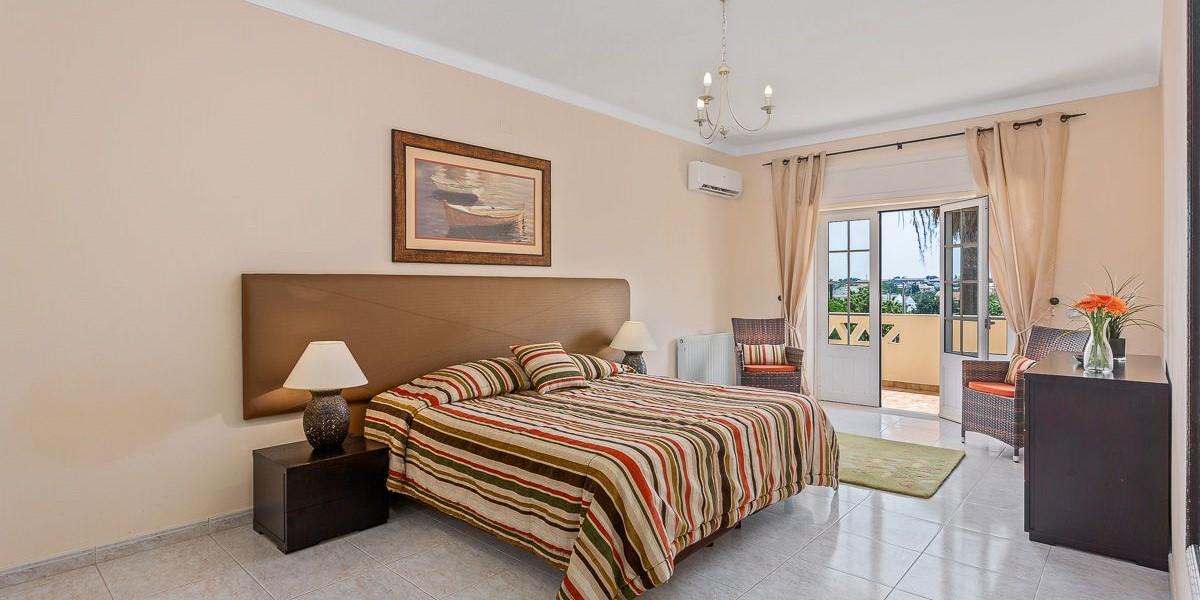 Master Bedrrom Large Villa To Rent Vilamoura