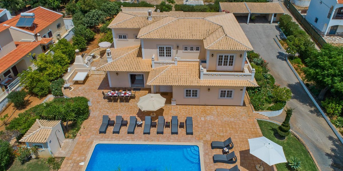 Vilamoura Villa To Rent For 16 People