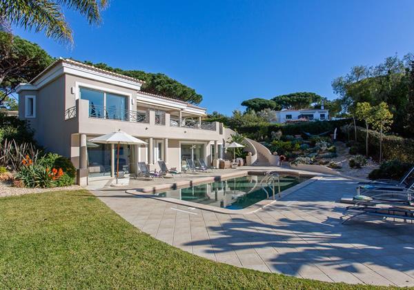 Holiday Villa With 4 Bedrooms Algarve