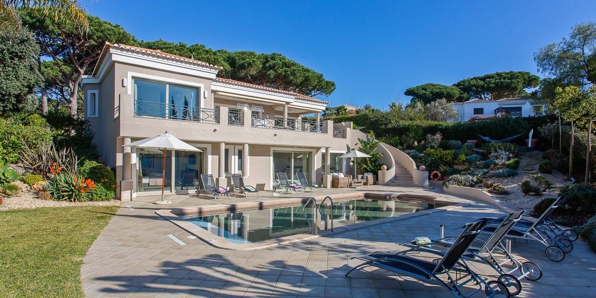 Luxury Villa With Pool To Rent Algarve