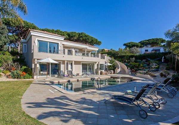 Luxury Villa With Pool To Rent Algarve