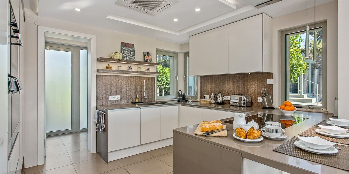Modern Kitchen For Self Catering Holiday Vale Do Lobo