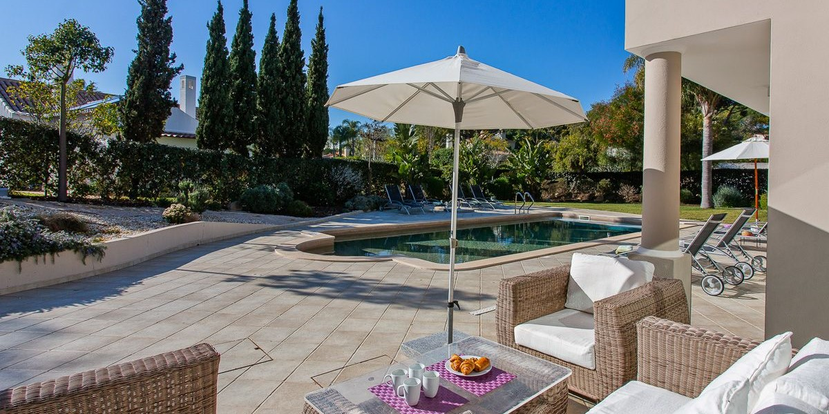 Poolside Seating Vale Do Lobo Vacation Rental