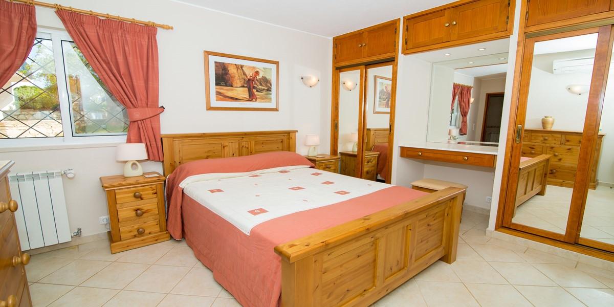Master Bedroom Vale Do Lobo Holiday