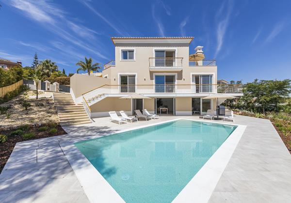 4 Bedroom Villa Encosta Do Lago