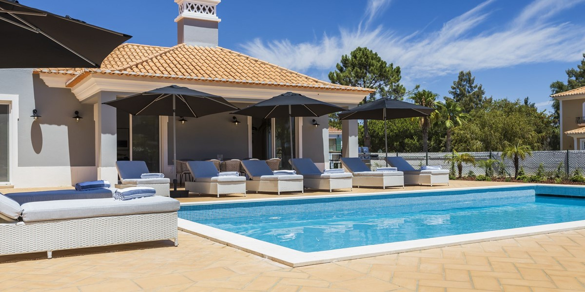 Large Villa With Heated To Pool To Rent Portugal