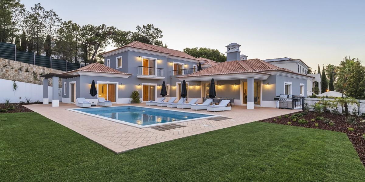 Luxury 5 Bedroom Villa In Encosta Do Lago