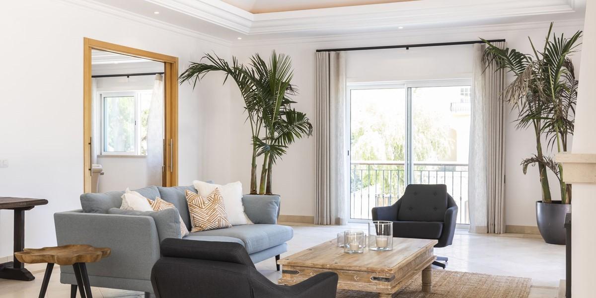 Modern Holiday Villa To Rent