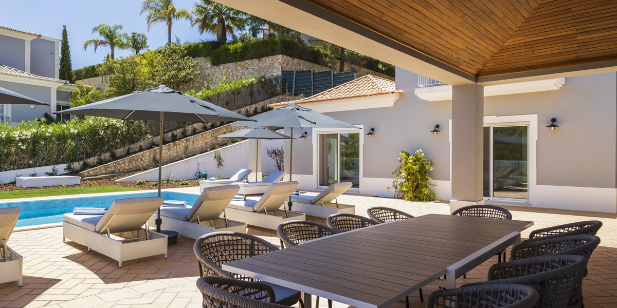 Private Holiday Villa With Pool