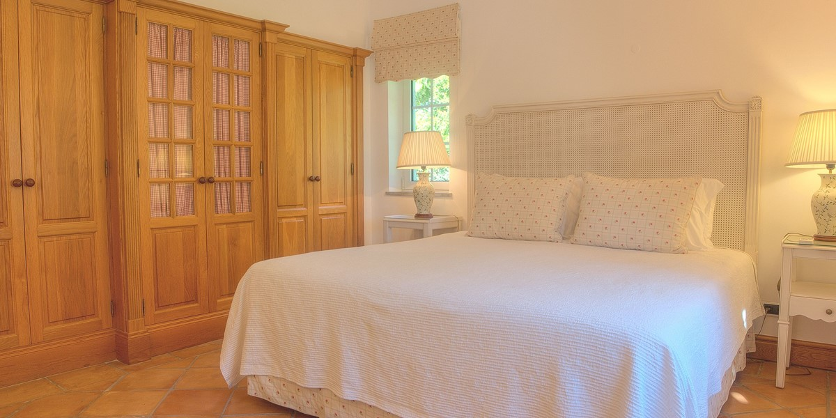 Double Bedroom In Large Holiday Villa