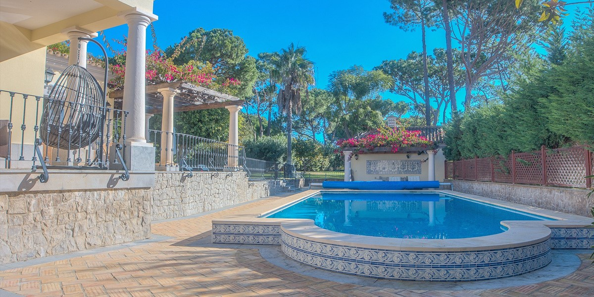 Private Villa With Pool To Rent Algarve