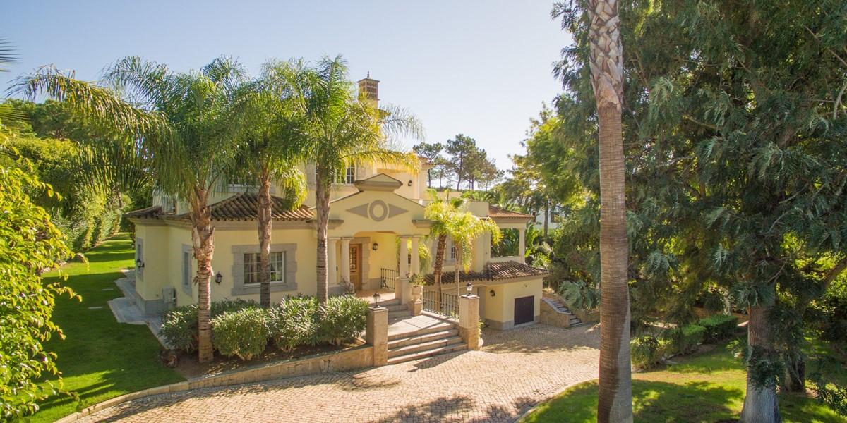 Spacious Garden Area In Vacation Villa Quinta Do Lago