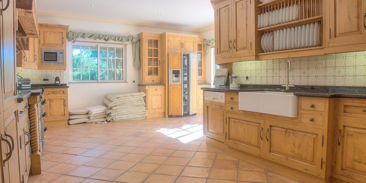 Spacious Self Catering Kitchen