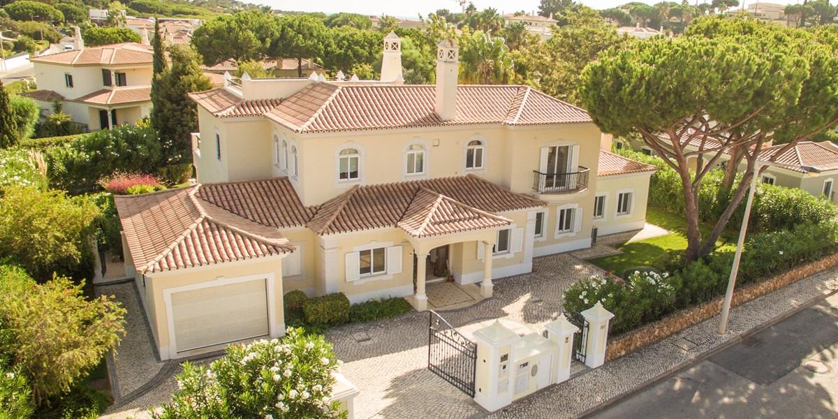 Luxury 5 Bedroom Villa In Dunas Douradas
