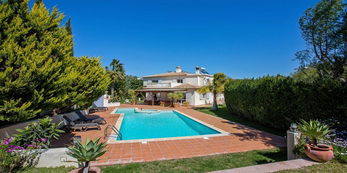 Holiday Rental Villa Almancil