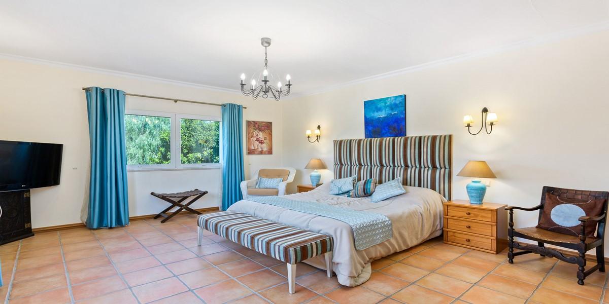 King Size Bedroom Rental Villa Algarve