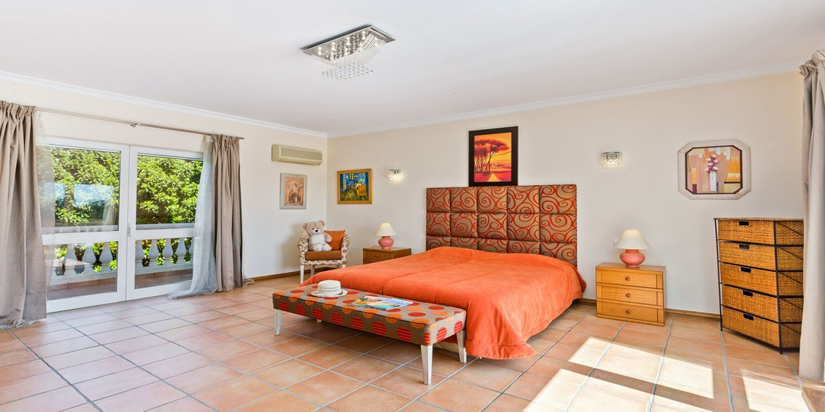 King Size Bedroom Sao Lourenco