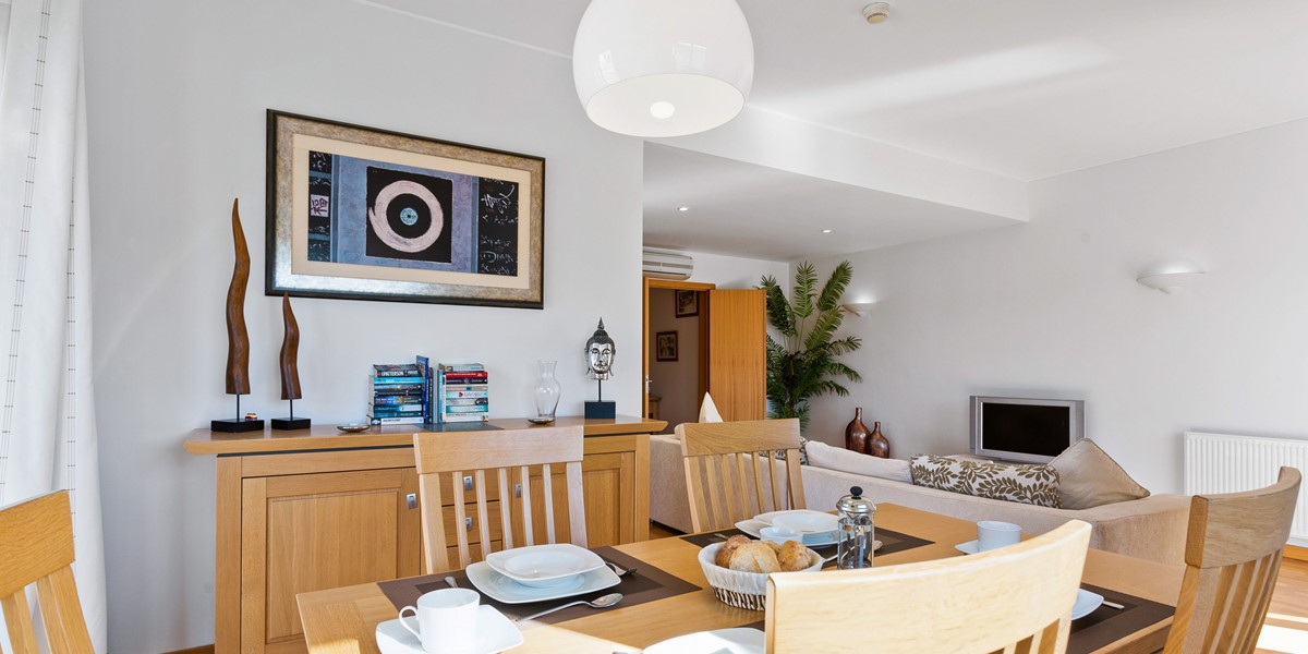Modern Dining Room Holiday Apartment