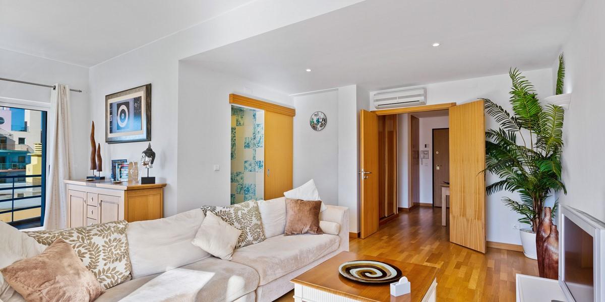 Spacious Living Room Rental Apartment Albufeira Marina