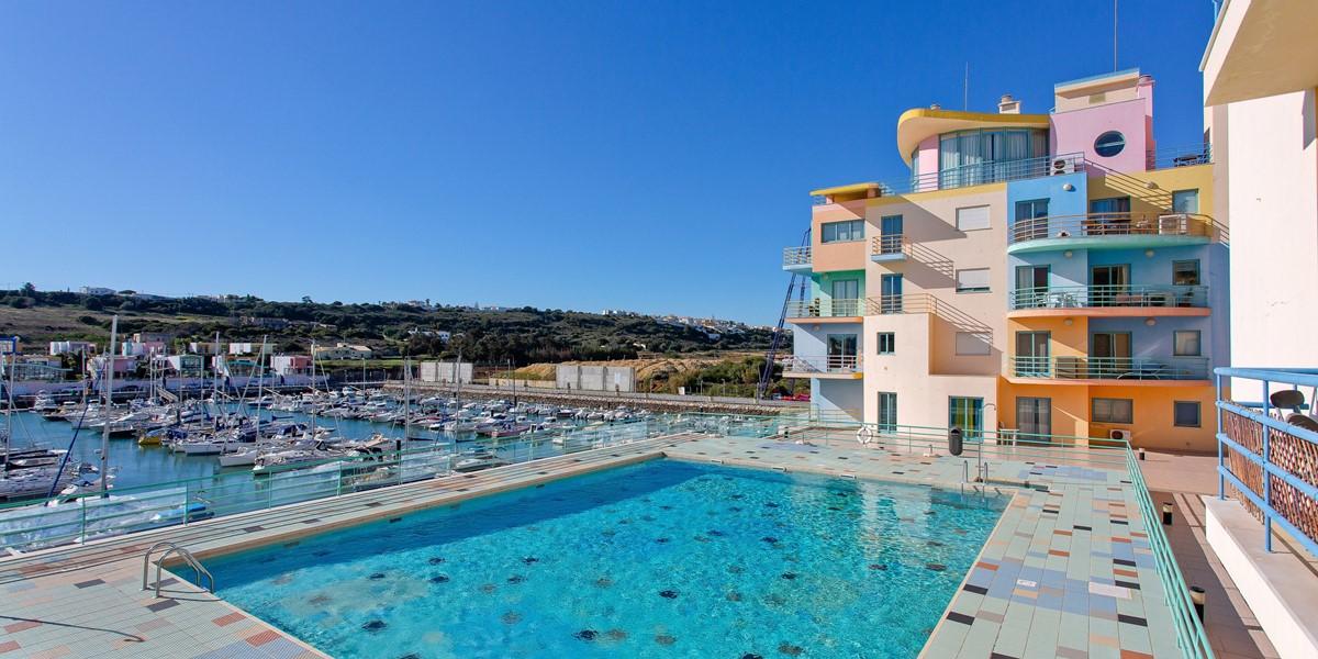 Swimming Pool Albufeira Marina