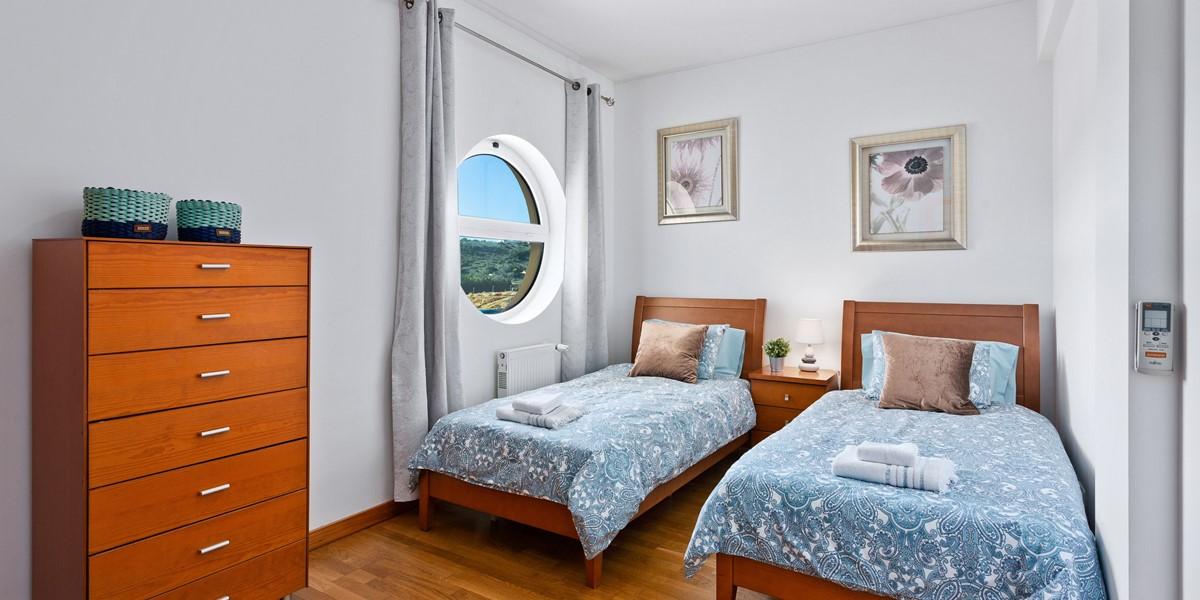 Twin Bedroom Albufeira Marina