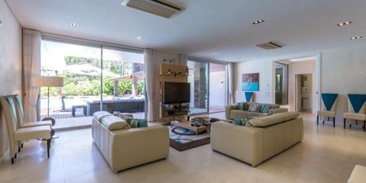 Luxury Living Space In Algarve Villa