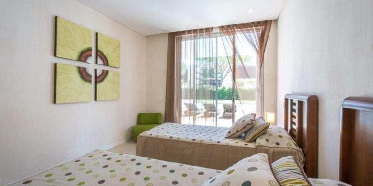Luxury Villa To Rent In Quinta Do Lago Twin Bedroom
