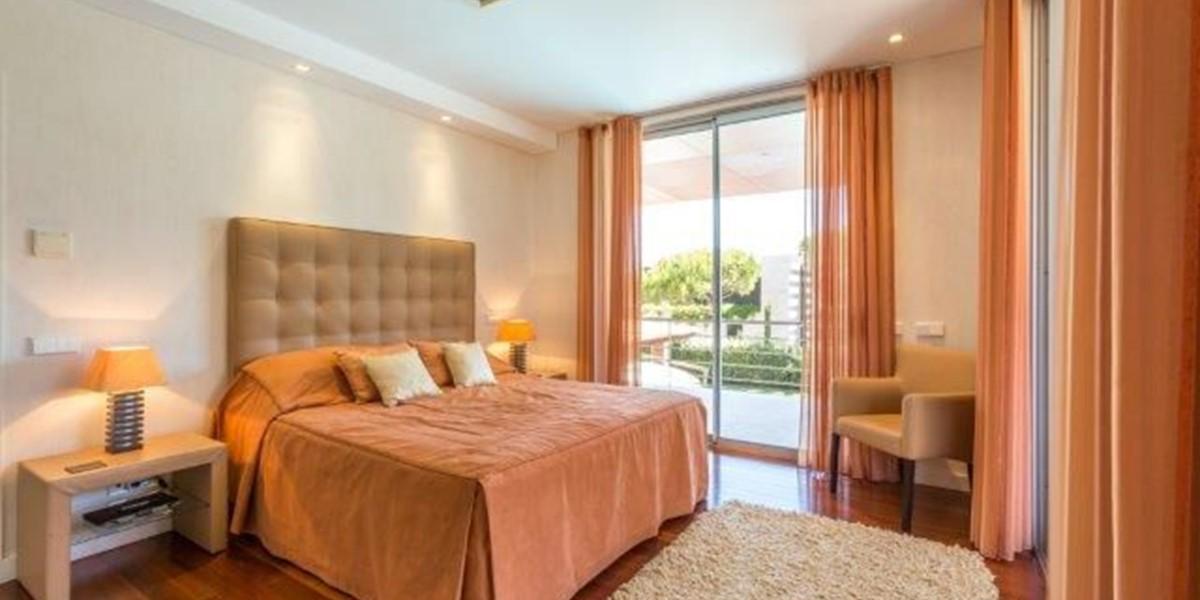 Master Bedroom In Luxury Villa To Rent Quinta Do Lago