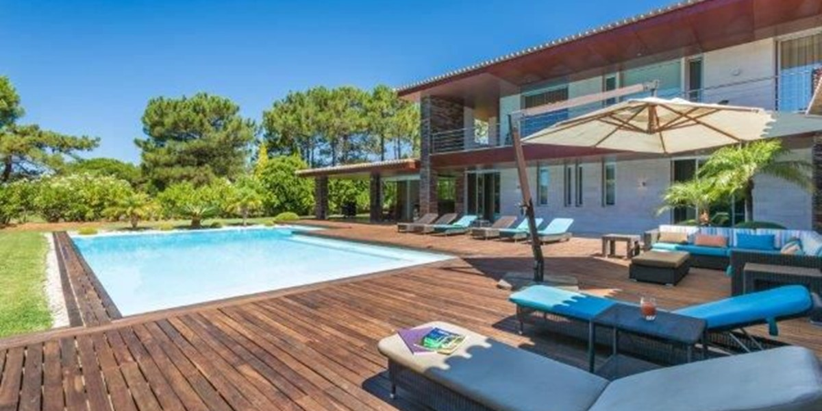 Quality Exterior Furniture In Family Holiday Villa Algarve