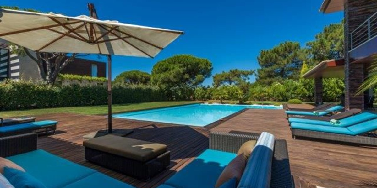 Relax By The Pool In Algarve Vacation Villa