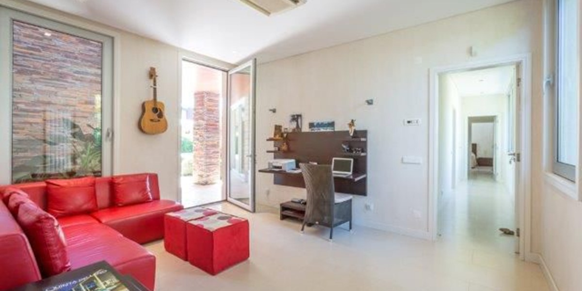 Vacation Rental With Office Space In Portugal