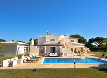 4 Bedroom Villa In Quinta Do Lago Within Walking Distance To The Beach