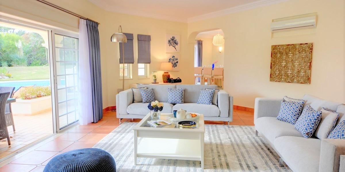 Bright Modern Living Room In Quinta Do Lago Villa