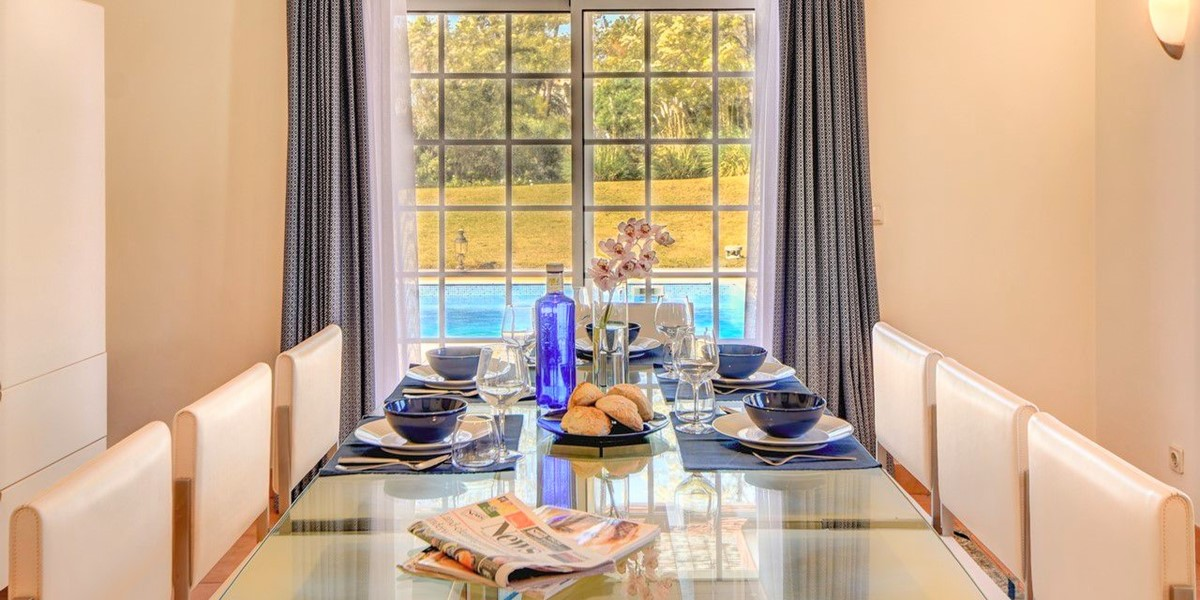 Dining For 8 People In Vaction Rental Portugal