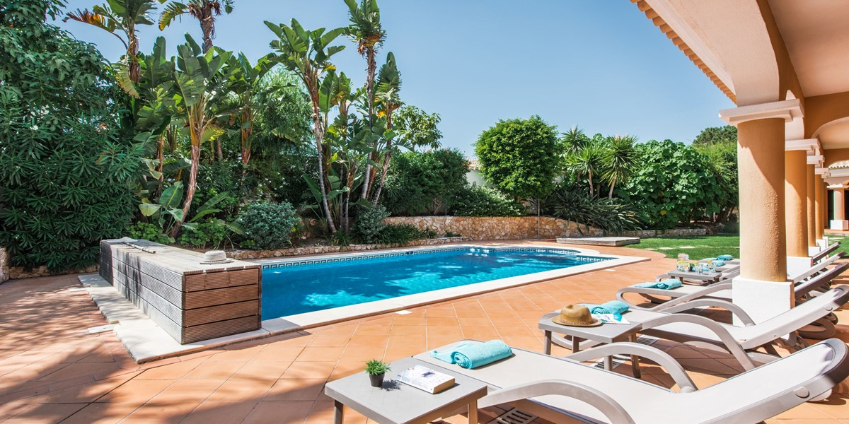 Poolside Sitting Area Vacation Rental Villa Vale Do Lobo