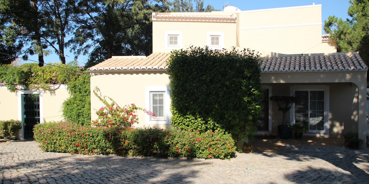 Front Of Property Near Vale Do Lobo For Holidays
