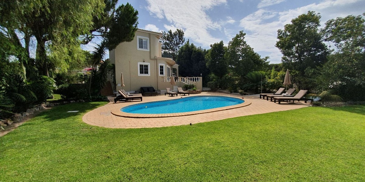 Large Private Garden Family Villa Holiday Algarve