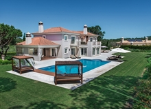 Luxury 4 Plus 1 Bedroom Villa Within Walking Distance To Shops And Restaurants In Quinta Do Lago