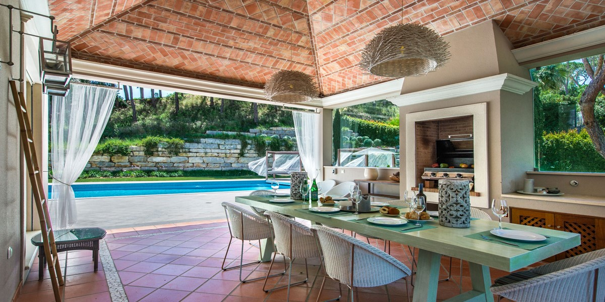 Outside Dining Table Vacation Rental Villa Quinta Do Lago