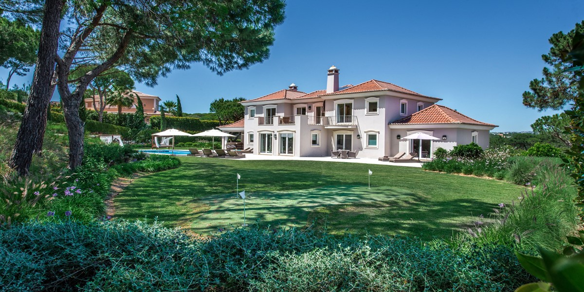 Small Putting Green Vacation Rental Villa Quinta Do Lago