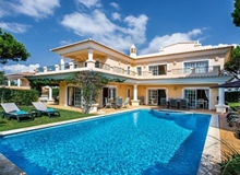 4 Bedroom Villa Near Vale Do Lobo Within Walking Distance To The Beach