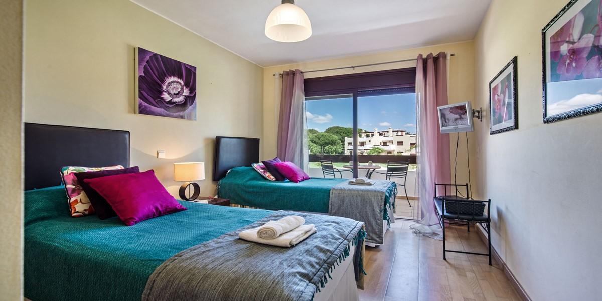 Modern Twin Bedroom Vilamoura