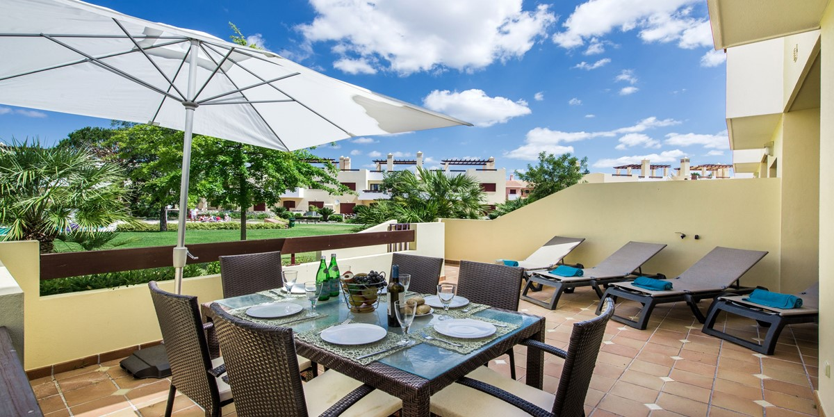 Terrace With Pool View Vila Sol