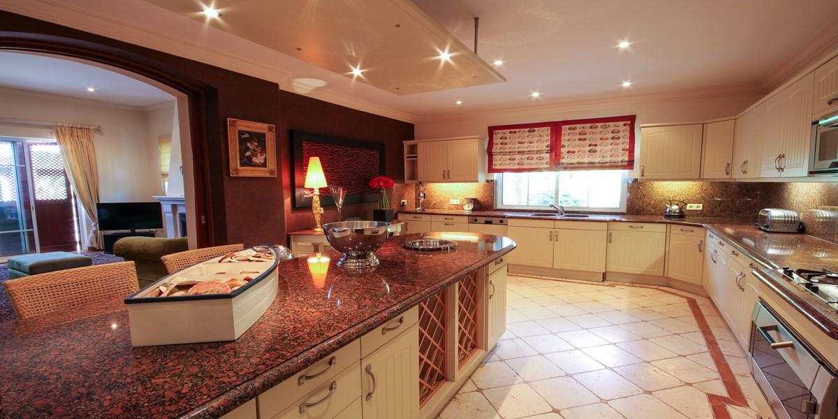 Fully Equipped Kitchen Vacation Villa Rental Quinta Do Lago