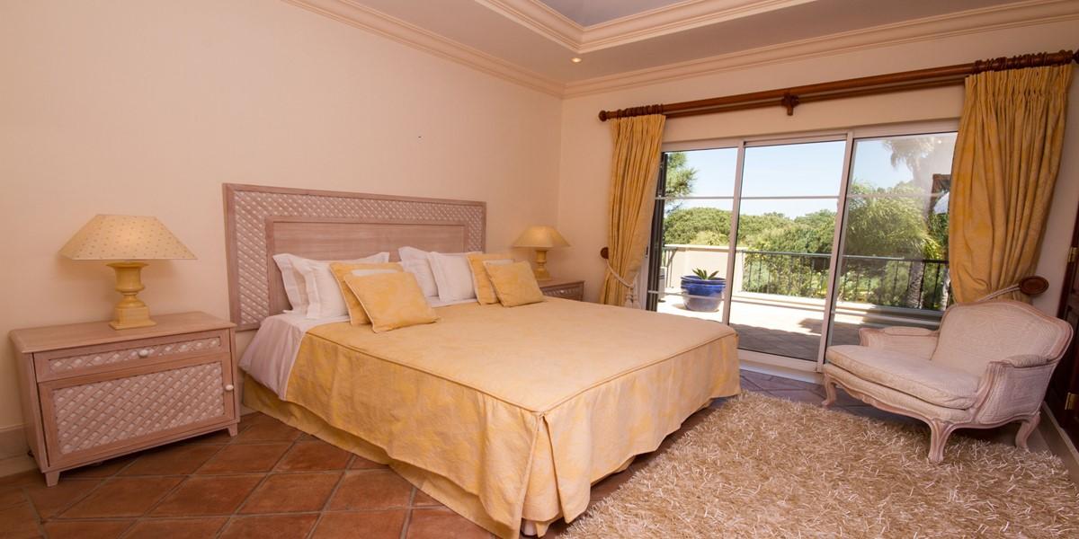 Luxury King Size Bedroom Vacation Rental Villa Quinta Do Lago