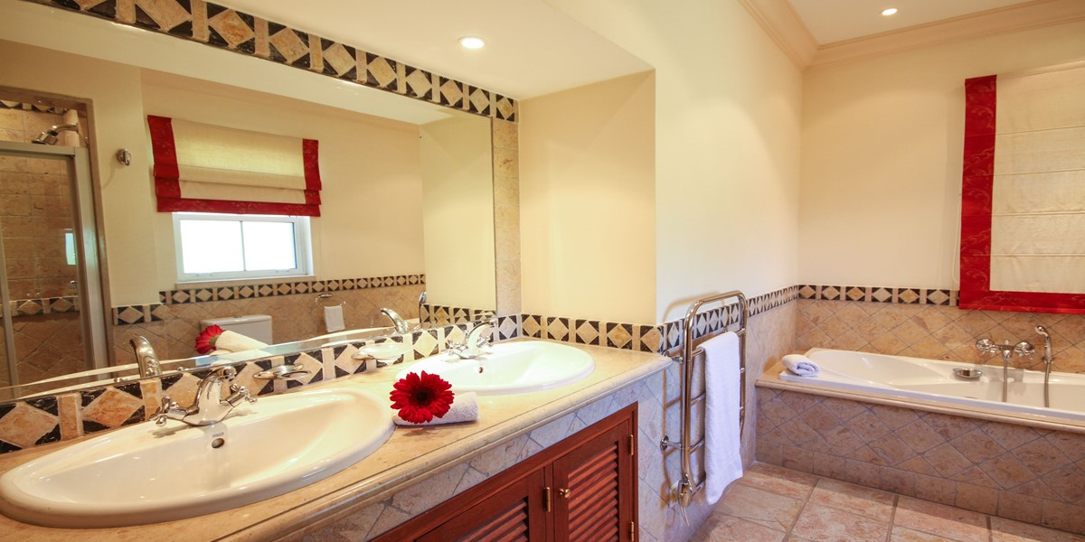 Modern Bathroom Holiday Villa Rental Quinta Do Lago