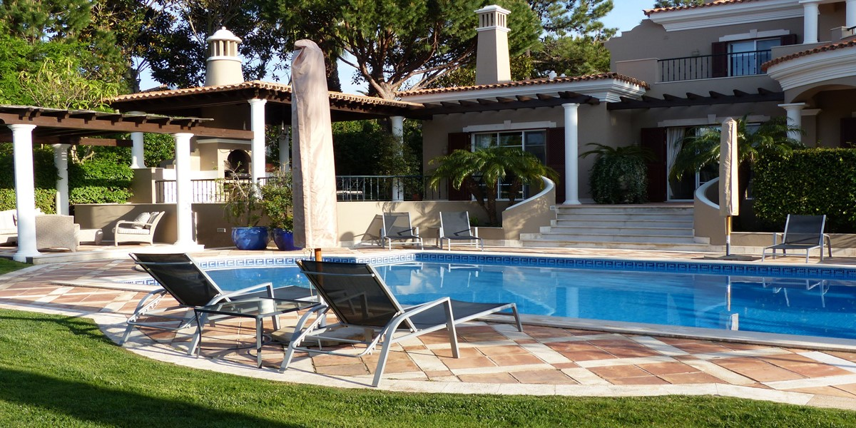 Spacious Swimming Pool Holiday Rental Villa Portugal