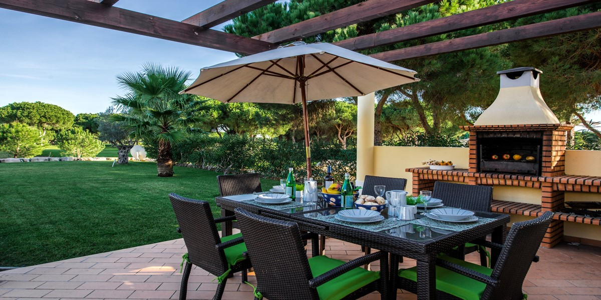 Outside Dining Table With Barbeque Vacation Rental Villa Vila Sol